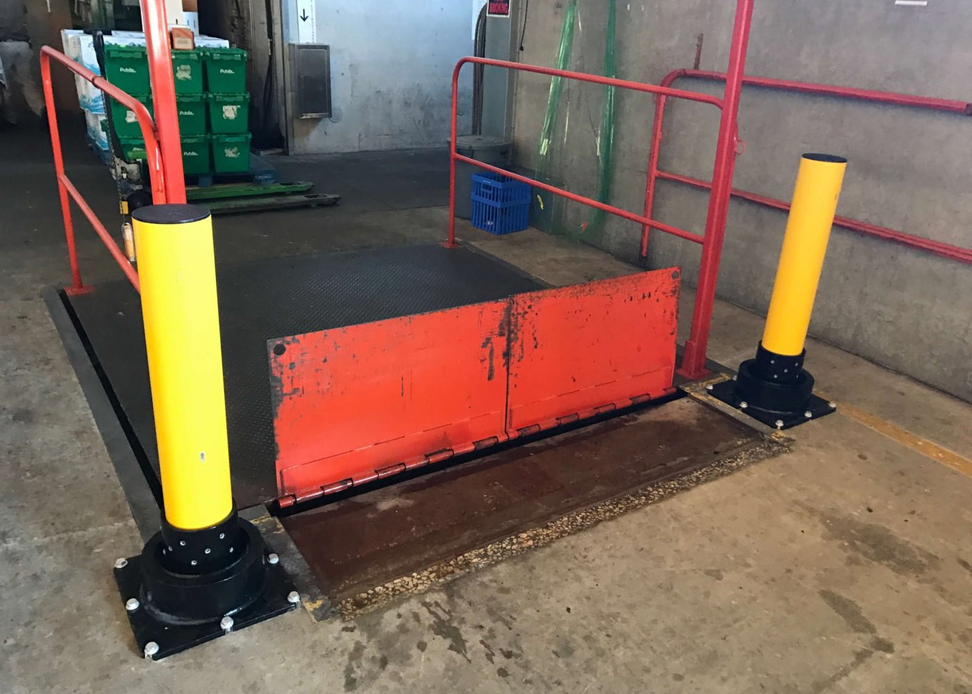 Bollard Scissor Lift Protection - Grocery Store